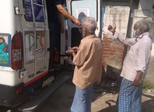 Necessary-Medicine-distribution-in-Kusht-Colony-Delhi-under-PTC-India-Project